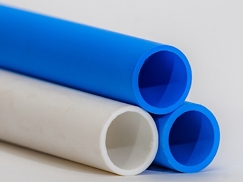 Tubes from polystyrene