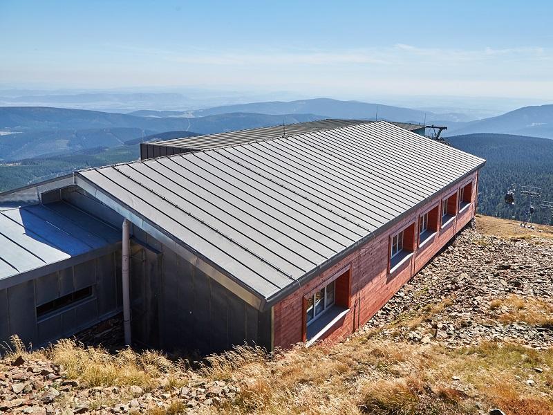 Aufbringen des Profils H2291 auf das Dach